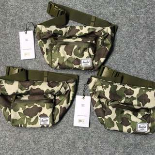 herschel frog camo waistbag 100% authentic