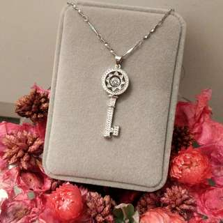 皇冠鎖匙閃亮吊墜頸鏈 Crown Key Shiny Pendant Necklace