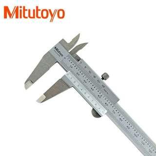 "Mitutoyo 530-104 Vernier Caliper 0-150mm/6"" Range"