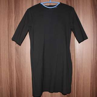 Black Dress in 3/4 Sleeves