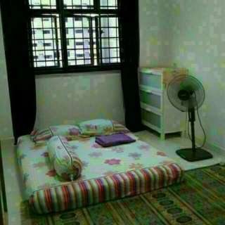 Room For Rent For Muslim At Admiralty