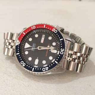 Seiko Automatic Diver Watch with Stainless Steel Bracelet #SKX009K2