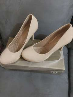 High heels warna nude