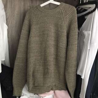 Army green knitted sweater pullover