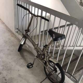 Foldable bicycle with adjustable height