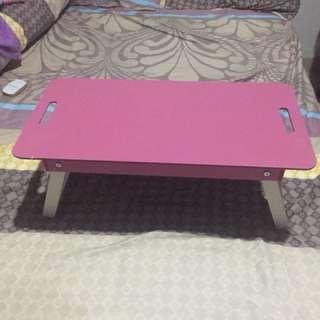 Meja lipat kayu (pink)