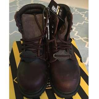 Brand new Skechers steel toe boots (dark brown) US 6