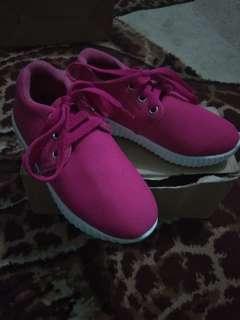 sepatu anak perempuan size 27
