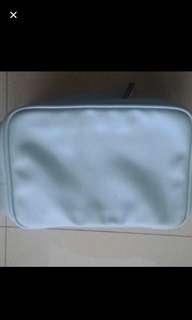 Brand New Estee Lauder Make Up Toiletries Bag