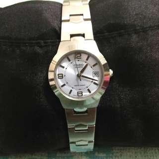 Arloji wanita CASIO Original.