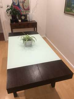 Modern extendable dining table solid wood and tempered glass