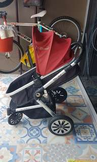 Lightly used excellent condition Gubi stroller