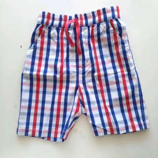 Celana pendek anak kotak2