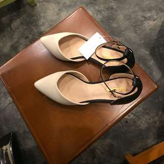 Pointed flatshoes