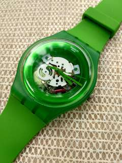 SWATCH SKELETON GREEN LACQUERED SUOG103