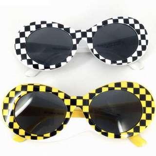 Kacamata kurt cobain catur