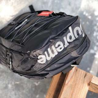 Supreme Backpack Tali New Pattern Black/red