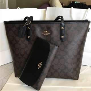 Coach tote bag and wallet set