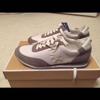 🚚 MK鞋