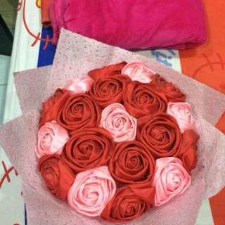 Buket bunga mawar kain