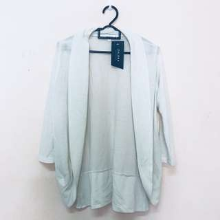 ⭐️Zalora White Cardigan
