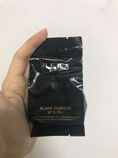 Hera black cushion refill shade 23