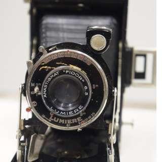 Lumiere Bellows folding vintage antique camera
