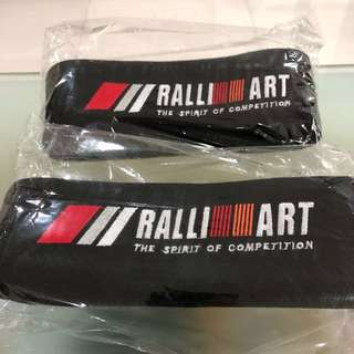 BNIB- RalliArt Neck Cushion - 1 Pair