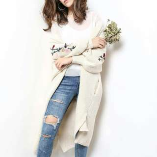 Long bell sleeves outerwear