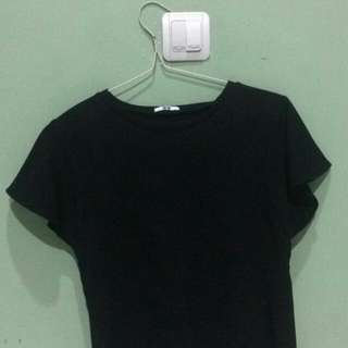 Uniqlo black top
