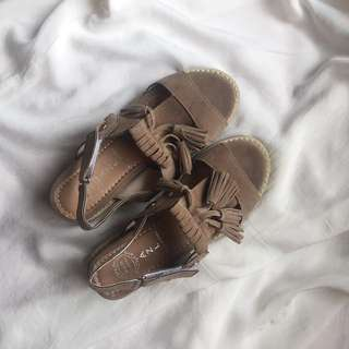 韓版 棕色涼鞋 /鬆糕鞋