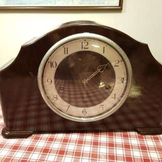 English Eight days clock bought more than 30 yrs ago. Well maintained, almost flawless outer casing, may require some servicing. Pm if interested