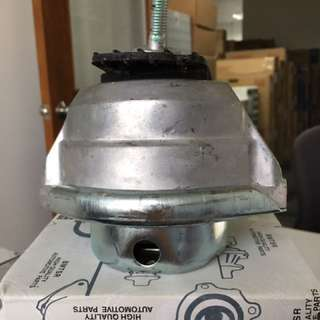 BMW E60 Engine Mounting