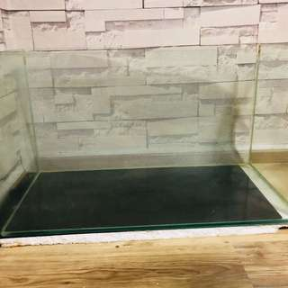 Tempered solid glass tank