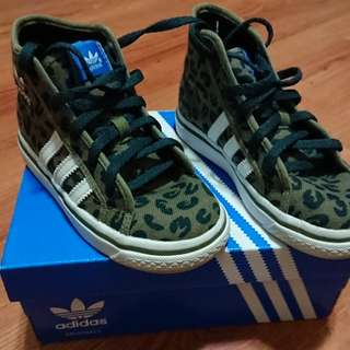 adidas 高筒休閒童鞋15cm
