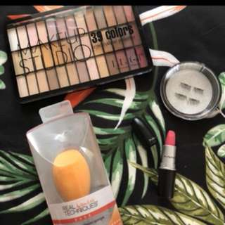 Makeup bundle for 750 only!!