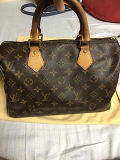 Guarantee authentic Lv speedy 30 With date code: DU2048 With authentic padlock and key 🔐 With free authentic Lv dust bag No damage😍