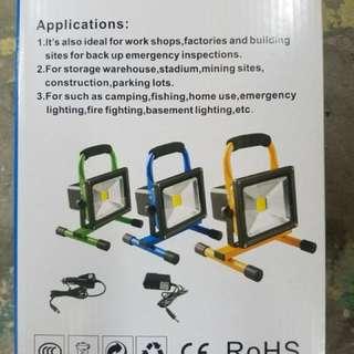 全新叉電式LED手提射燈(超光.耐用.安全可靠.多色選擇)