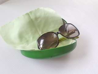 Sunglasses with good condition