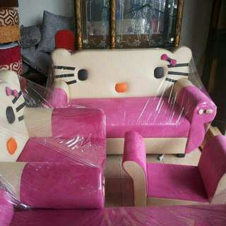 Sofa karakter hello kitty