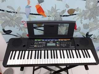 Keyboard Yamaha E253
