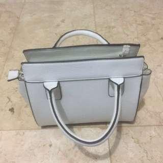 STRADIVARIUS MINI TOTE MESSENGER BAG WHITE