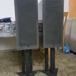 Yamaha Speaker c/w high quality stand