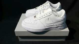 Nike AIR FORCE 1 Ful White . 36 - 44 .