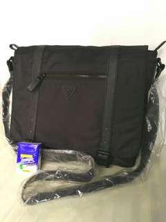 🆕GUESS Messenger Bag Shoulder Bag Crossbody School Bag 側揹袋 斜揹袋 書包 公事包