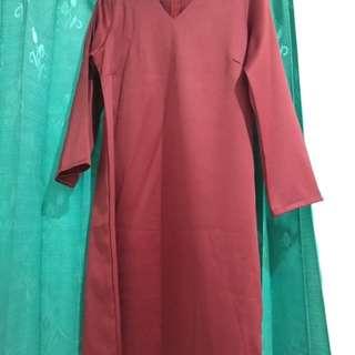Dress lengan panjang warna maroon