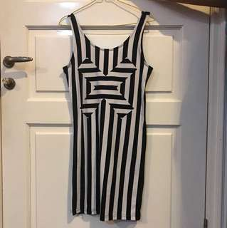 H&M DRESS BLACK AND WHITE