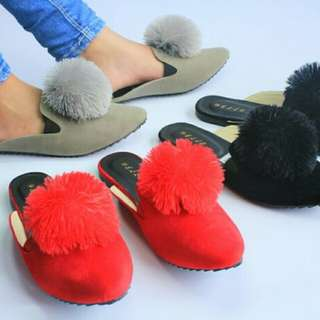 Sandal Selop Pom-pom