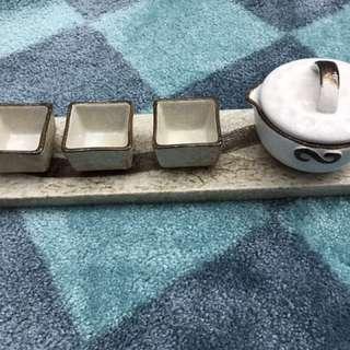 全新精美帝朝陶瓷茶具一套:內含茶壺一個、茶杯三隻、托盤一個
