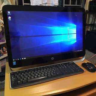 HP Pavilion 23-1027c All-in-One Desktop PC 輕觸式